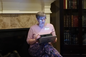 Zina Petersen speaks to Miller Eccles Study Group Texas at a study group meeting in Arlington, Texas, on May 21, 2016.